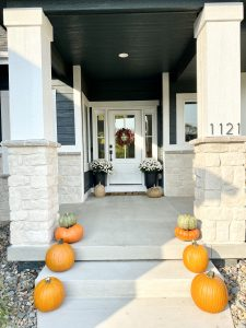 fall front porch decorations
