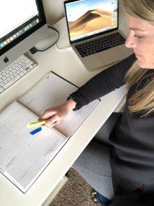 write a daily to do list