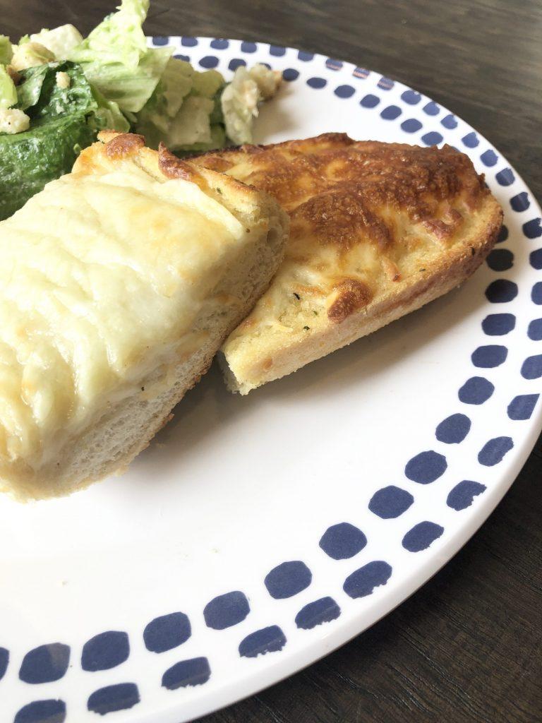 garlic bread pizza dinner