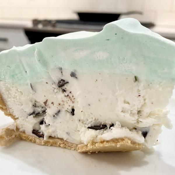 easiest ice cream pie recipe slice