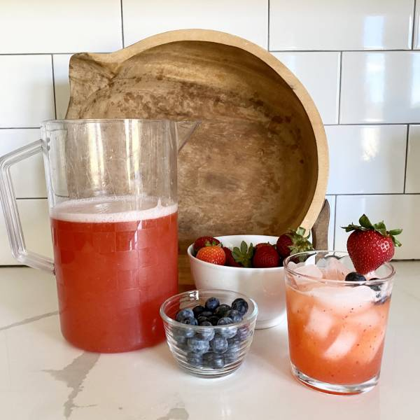 easy spiked strawberry lemonade recipe