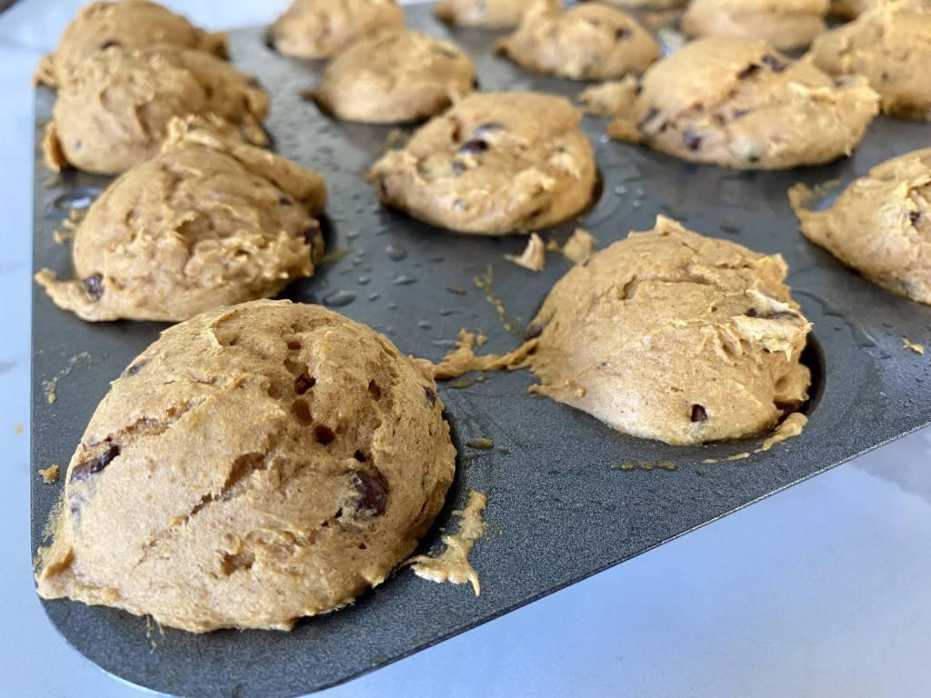best ever mini chocolate chip pumpkin muffins