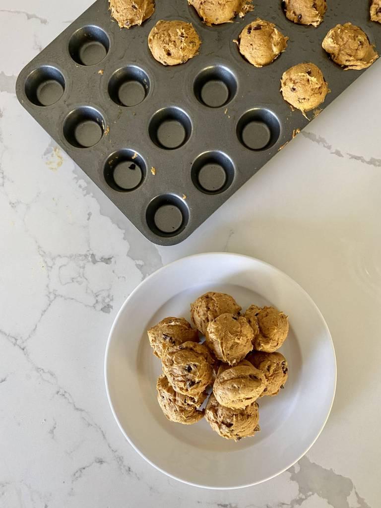 3 ingredient pumpkin chocolate chip mini muffins